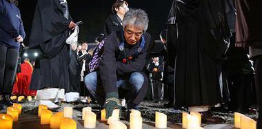 今夜南京:烛影摇曳,祭奠逝去的同胞