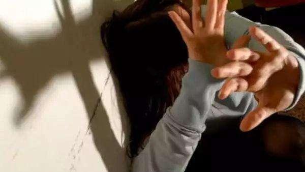 今日之声:12岁女孩公车上被尾随性侵发现时已怀孕