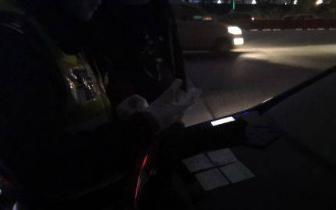 """晚高峰?侵占应急车道 司机辩称""""机油快没了"""""""