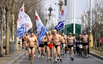 """""""全城热练·迎新年""""水陆两项勇者光猪跑元"""