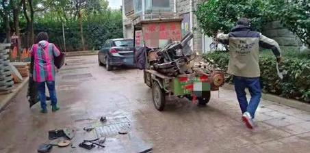 业主30万车占消防通道3年 被物业拆解卖废铁