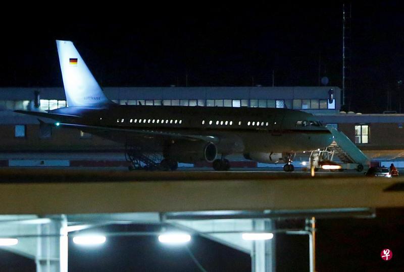 默克尔因专机故障G20
