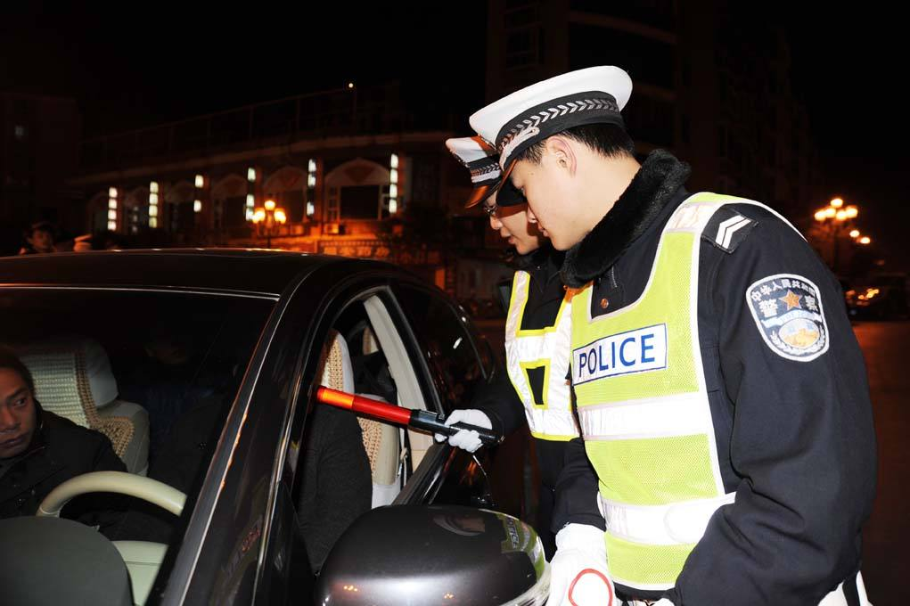 达州交警曝光200余名饮酒驾驶人员名单 最小年仅20岁