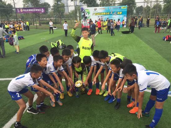 广东省民间青少年足球联赛资料图