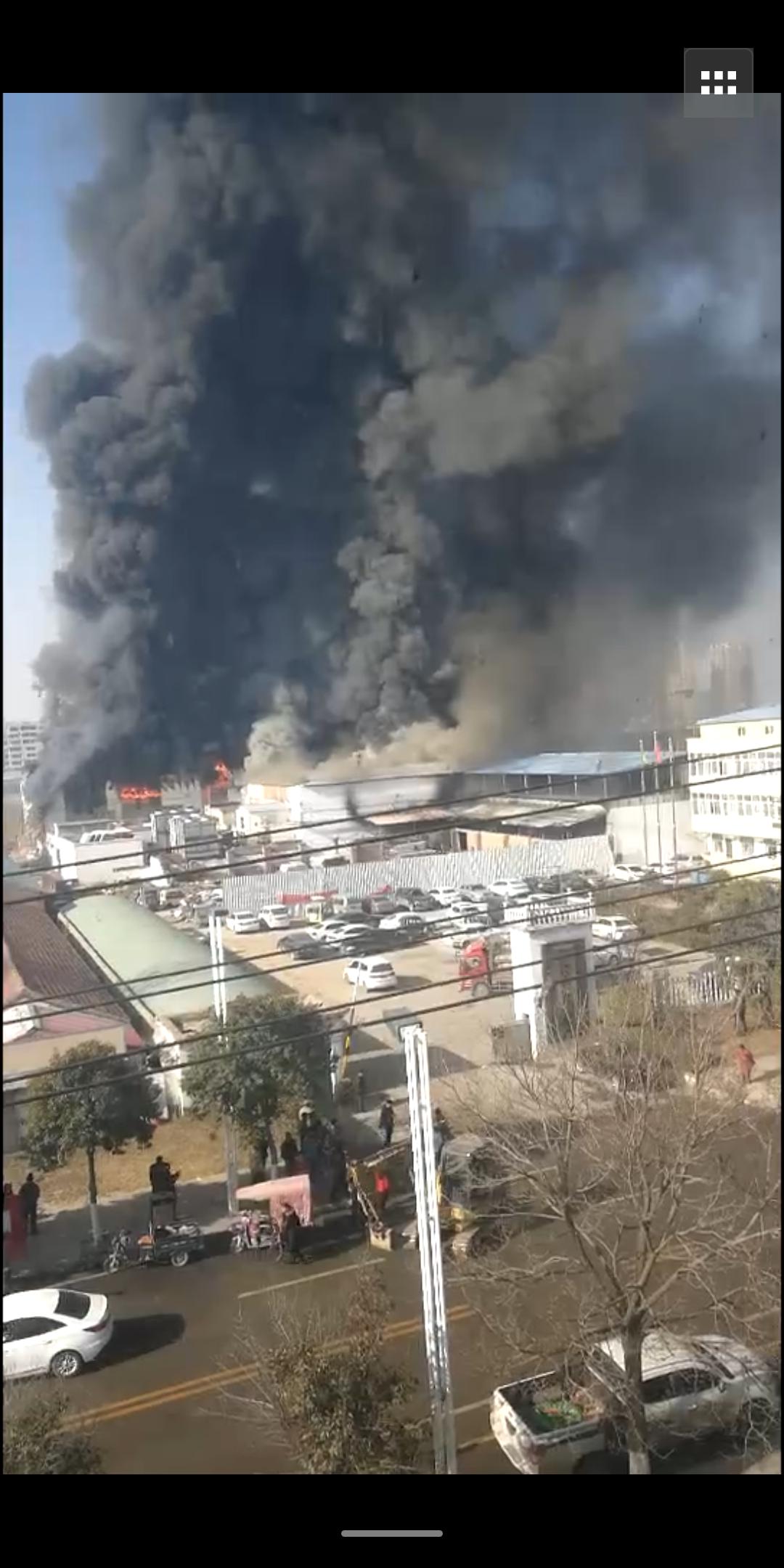 河南商丘一公司厂区发生火灾 已造成7人死亡