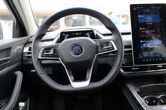 颜值蜕变续航提升 试驾比亚迪秦Pro EV500