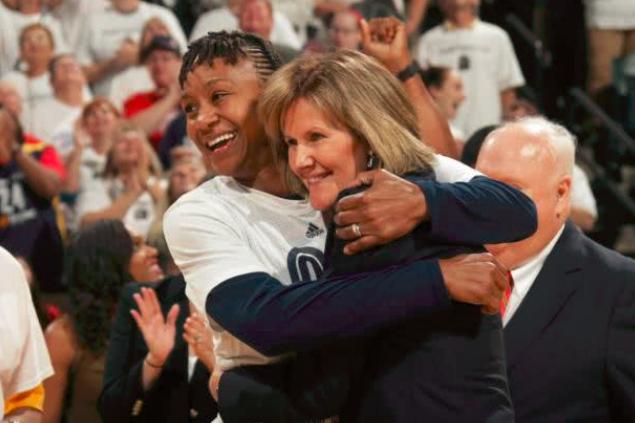 [易]开历史先河!步行者聘请NBA史上首位女性副总经理