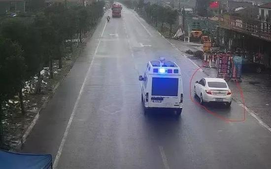 浙江临海11岁男孩独自开车去兜风 自称上学压力大