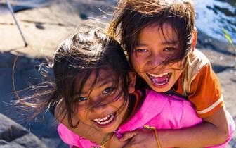 不用怀疑,老挝的笑容是世界上最幸福的