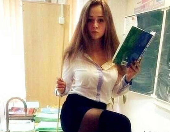 轻松一刻:多大仇?隐忍二十年只为扇老师一耳光