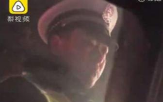 的哥 商丘交警街头批评违法的哥 市民发视频获网友点赞