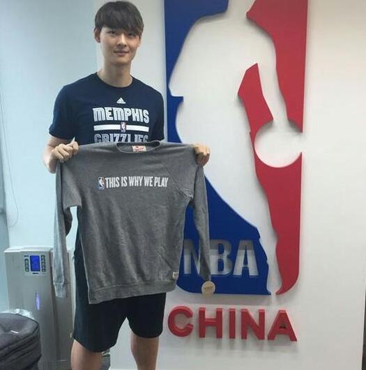 王哲林:nba是目标,但现在专注CBA