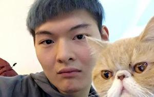 王哲林:CBA第一大杀器 佛系撸猫大男孩