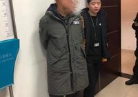 拦路扇老师男子被抓:多名同学愿作证老师曾打人