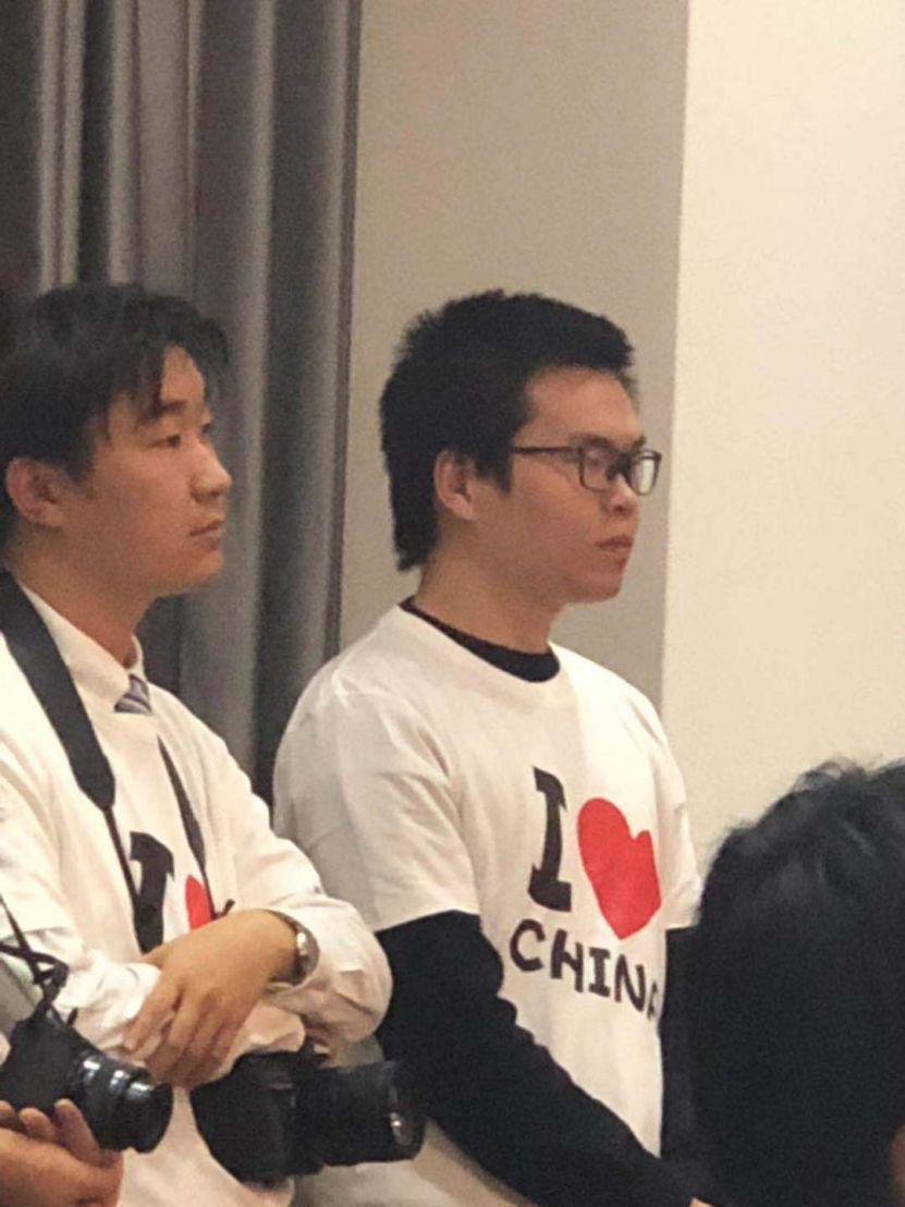 日本女生向陆慷请教恋爱问题 他这样回答引大笑