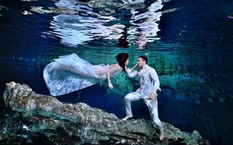 阿娇水下婚纱照似仙子