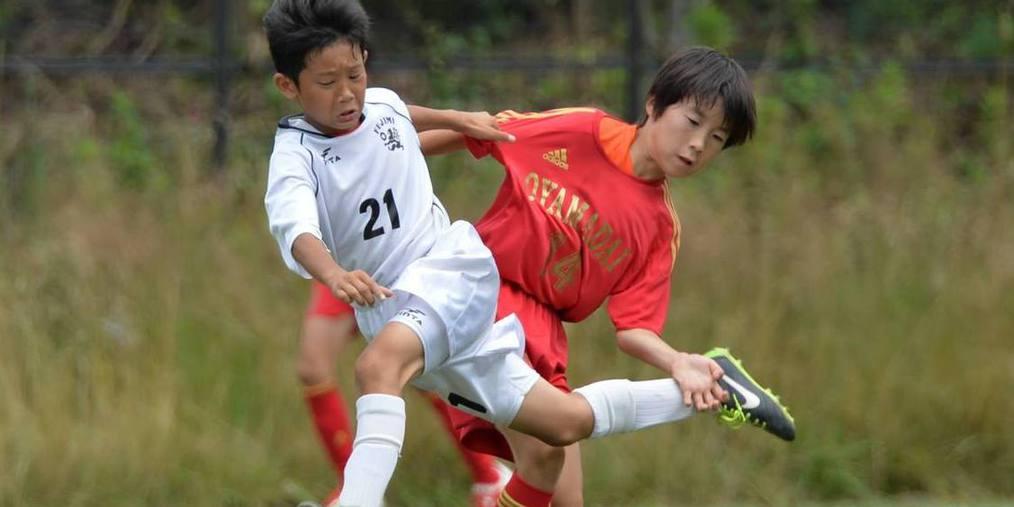 足球揭秘:日本孩子从小在AC米兰踢球?