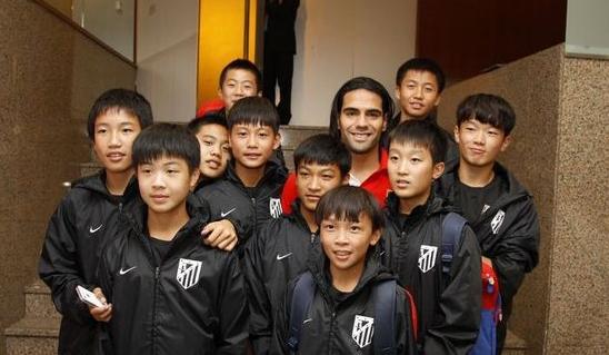 北京万达送去欧洲的少年球员
