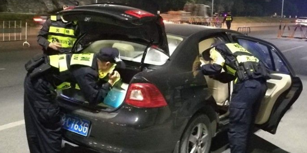 东莞 一个人用5部手机?男子东莞盗窃深圳销赃被抓