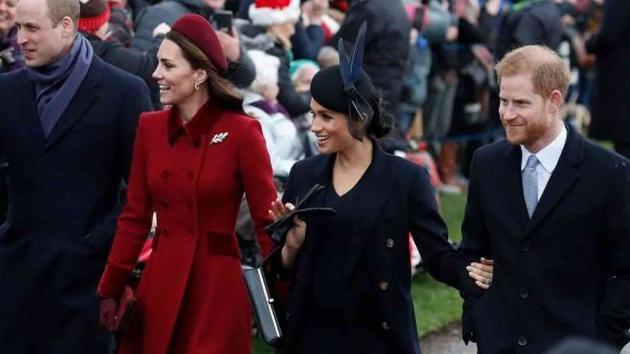 英皇室现身圣诞庆典   梅根凯特妯娌亲切聊天破不合传闻