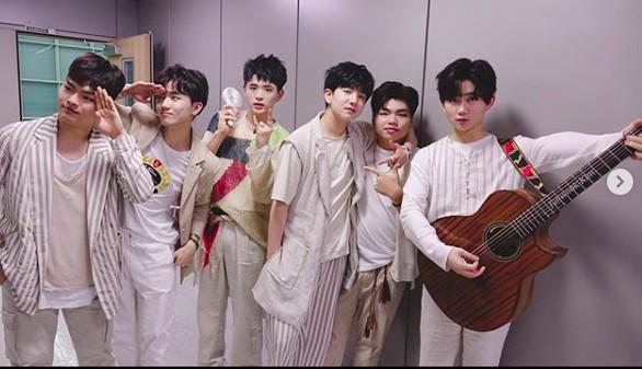 韩国男团成员遭暴打 经纪公司:爸妈说可以体罚  爱豆的日子真的过得好吗?