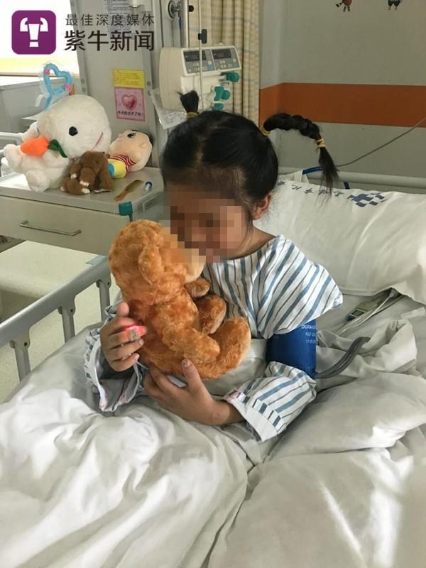 女子长期用木棍虐打9岁亲生女儿 因虐待罪被判缓刑