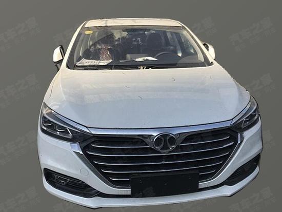 换装全新大灯组 北汽绅宝D50新车型曝光