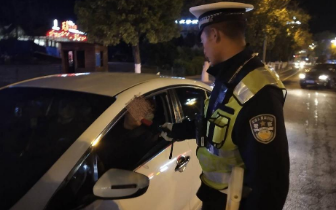 凉山交警今年查获3565人酒驾,233人被吊销驾照