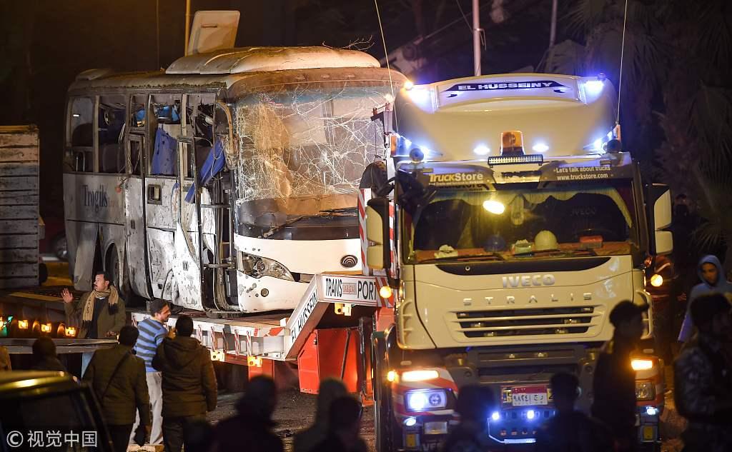 埃及一旅游巴士遭路边炸弹袭击3人死亡 无中国游客