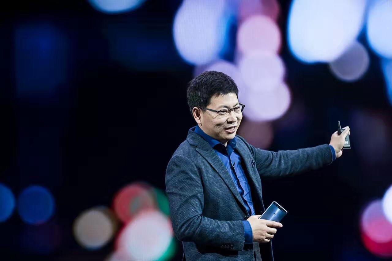 余承东:华为手机年销量过2亿台 收入超500亿美元
