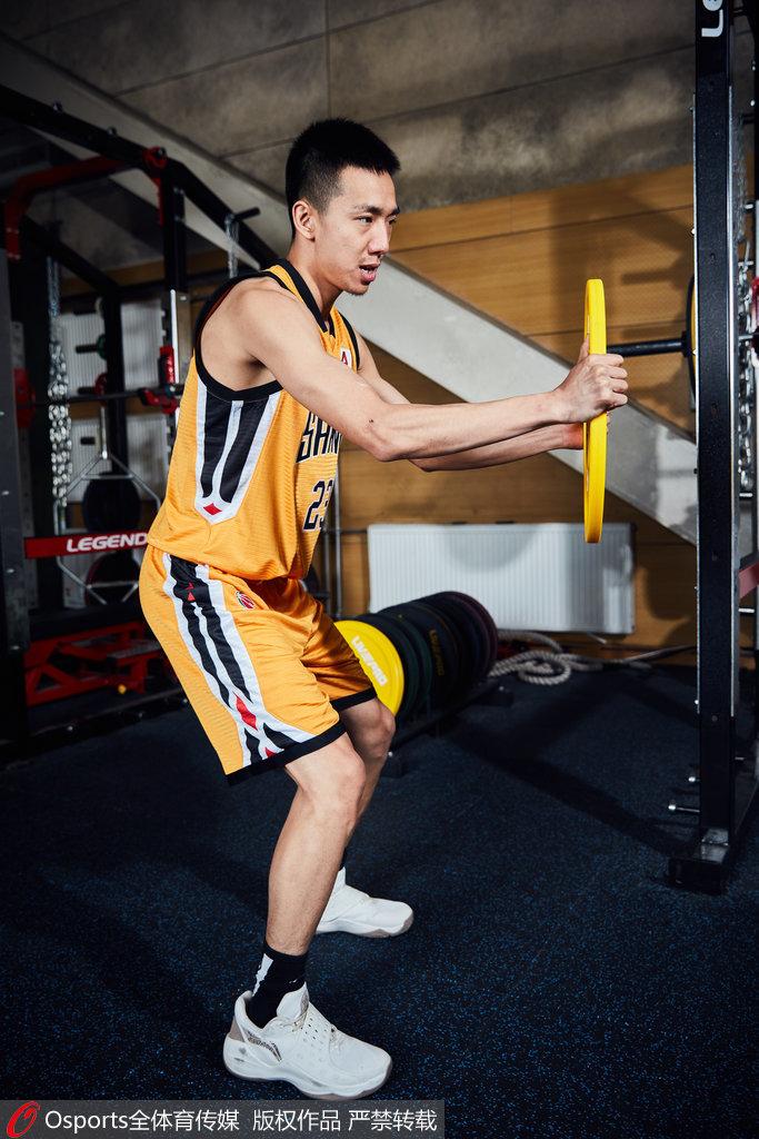 """班铎再砍30分!隔空""""喊话""""王非:教练,我想打篮球!"""