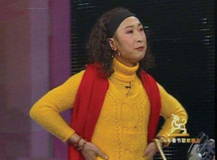 林永健回应撞脸金球奖女主持:走散多年的兄妹