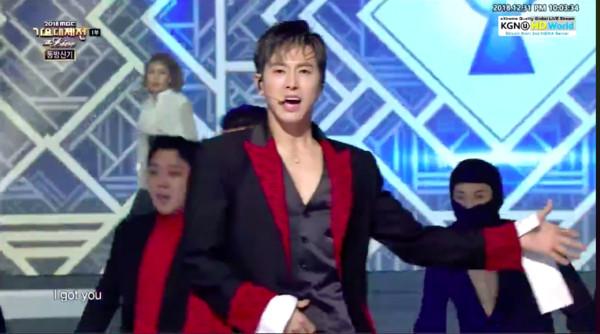 东方神起睽违4年重返跨年舞台 WannaOne惊喜致敬