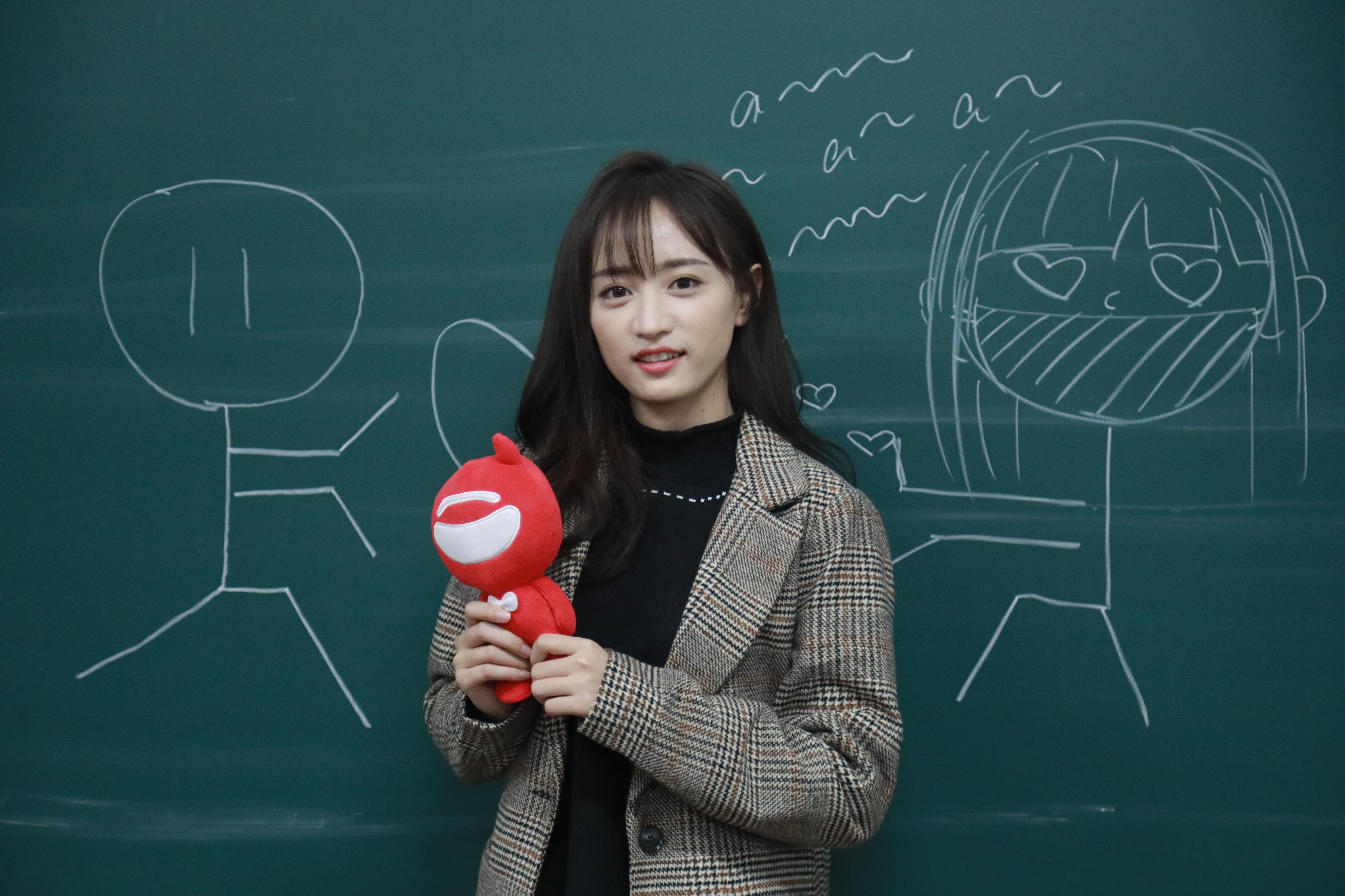 娱乐新鲜派|SNH48黄婷婷:为音乐梦想不懈努力