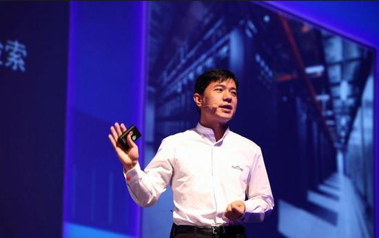 李彦宏发新年内部信:2018营收破1000亿 AI孕育巨大机会