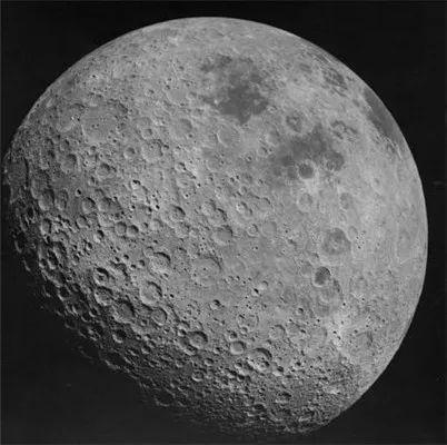 阿波罗16号拍摄的月球背面(图片来源:维基)