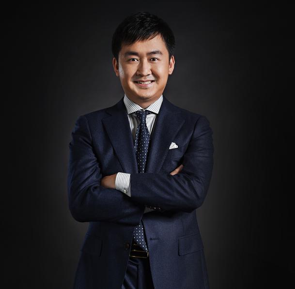 王小川:放弃用 AI赚钱这个想法