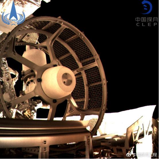 图为嫦娥四号巡视器车轮