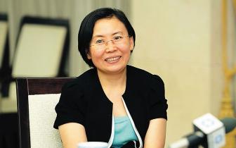 孙喆主持召开2018年县委常委会第32次(扩大)会议