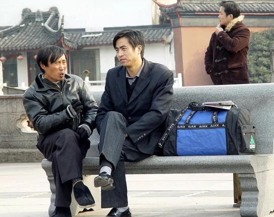 南京夫子庙操着外地口音的看相人纠缠游客惹人烦/视觉中国