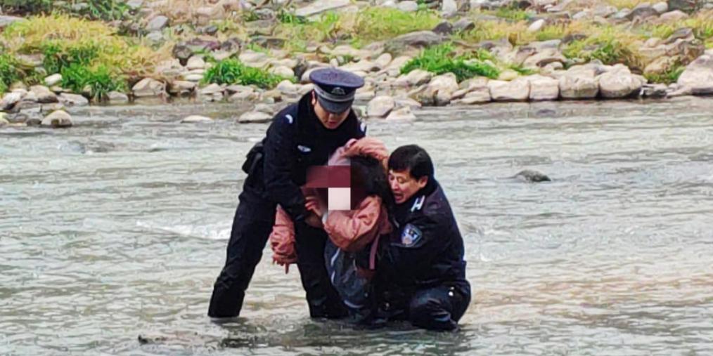 巴中14岁女孩手机被父母没收欲跳河轻生被救回