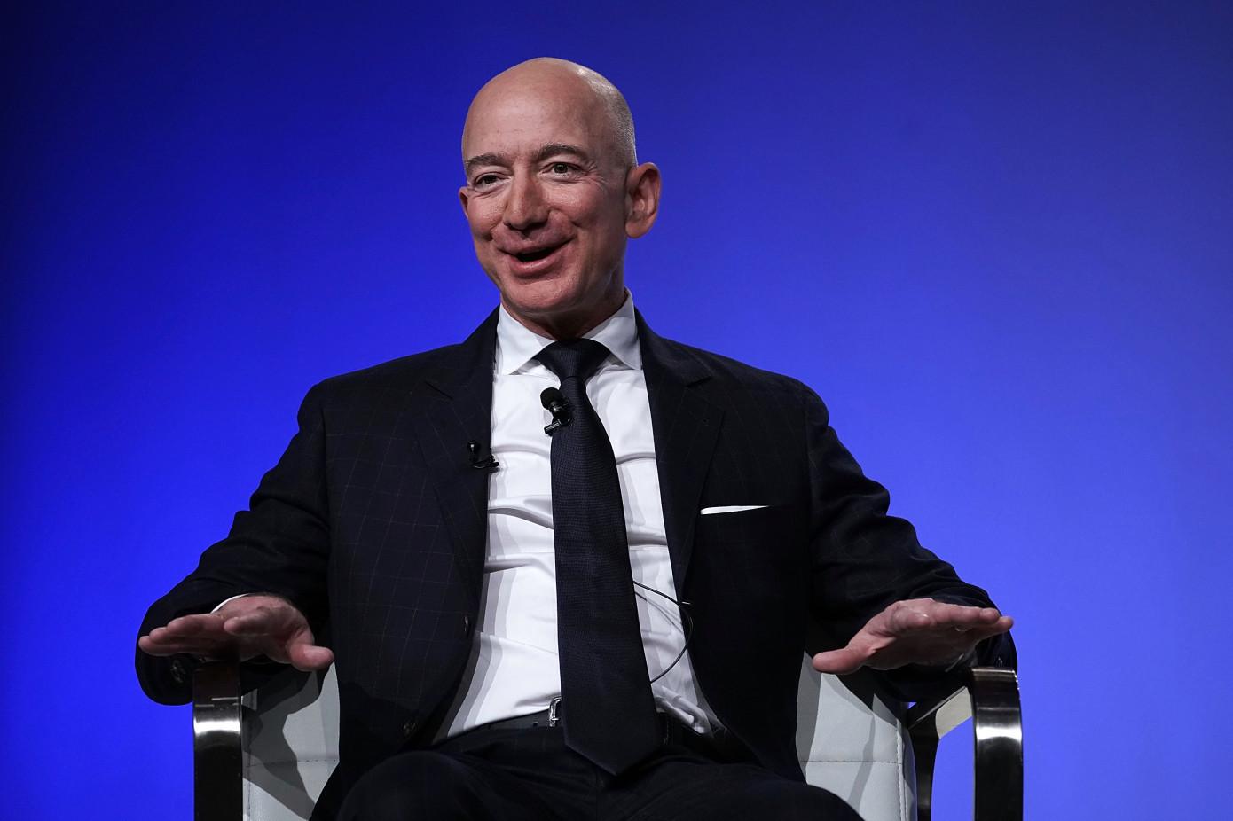 亚马逊成全球市值最高公司,苹果排名降到第四