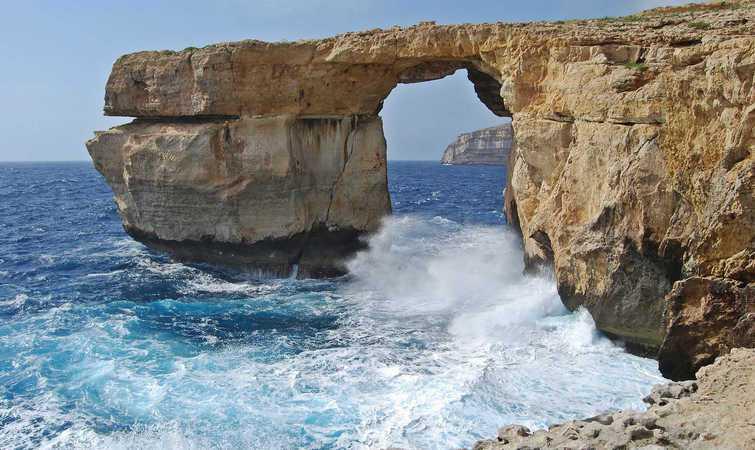 权力的游戏取景地,马耳他海边坍塌的的自然石拱