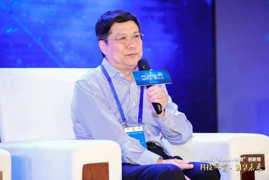 国务院扶贫办友成企业家扶贫基金会常务副理事长汤敏