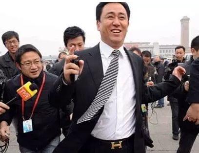 itotii-今日之声:女子桂林旅游遭导游殴打,让你下不了车!