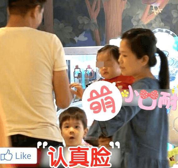 嗯哼有妹妹了?疑杜江霍思燕一岁小女儿曝光