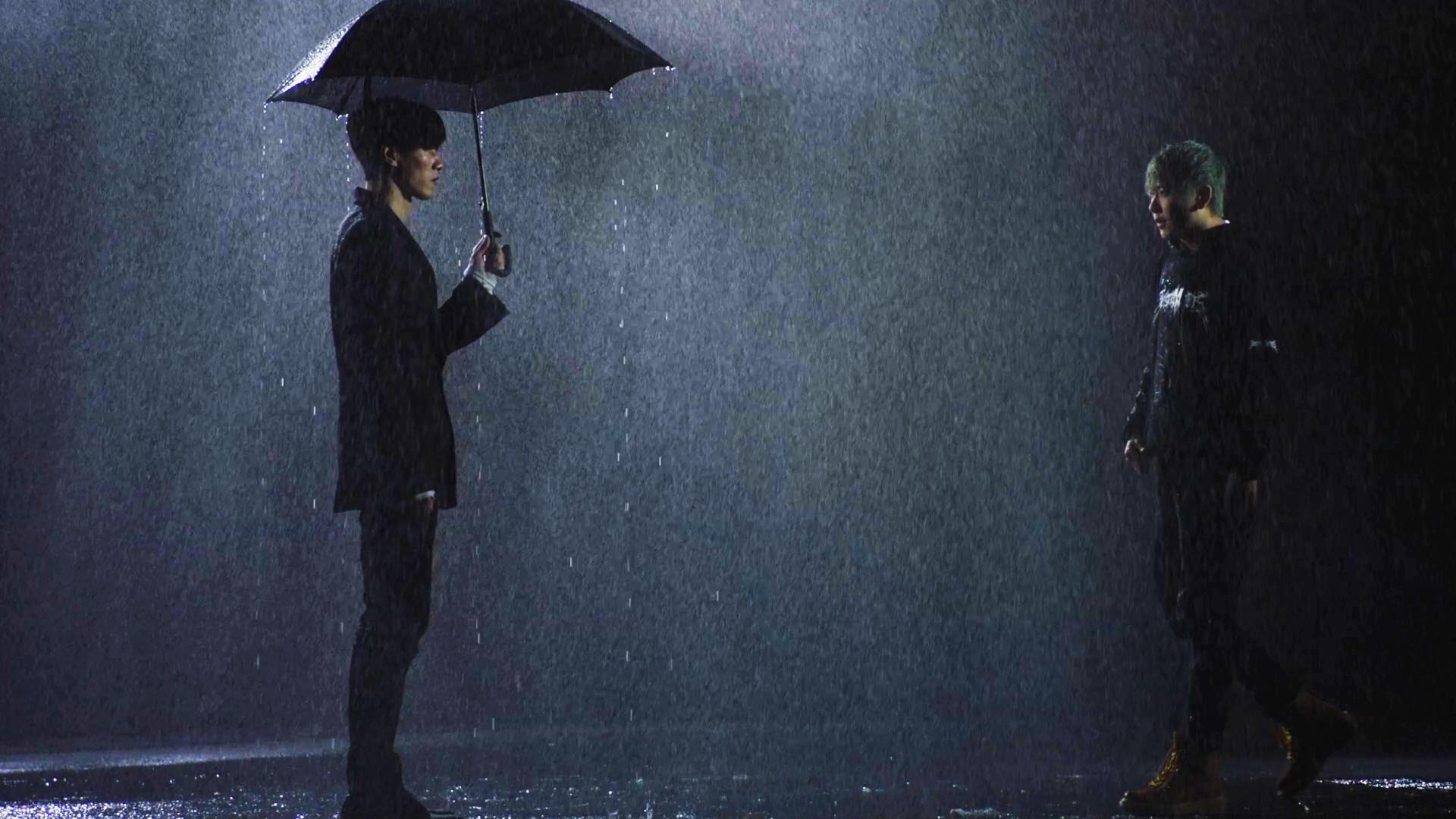 《骤雨 Trouble》MV陈骁张朋被雨狂浇两小时