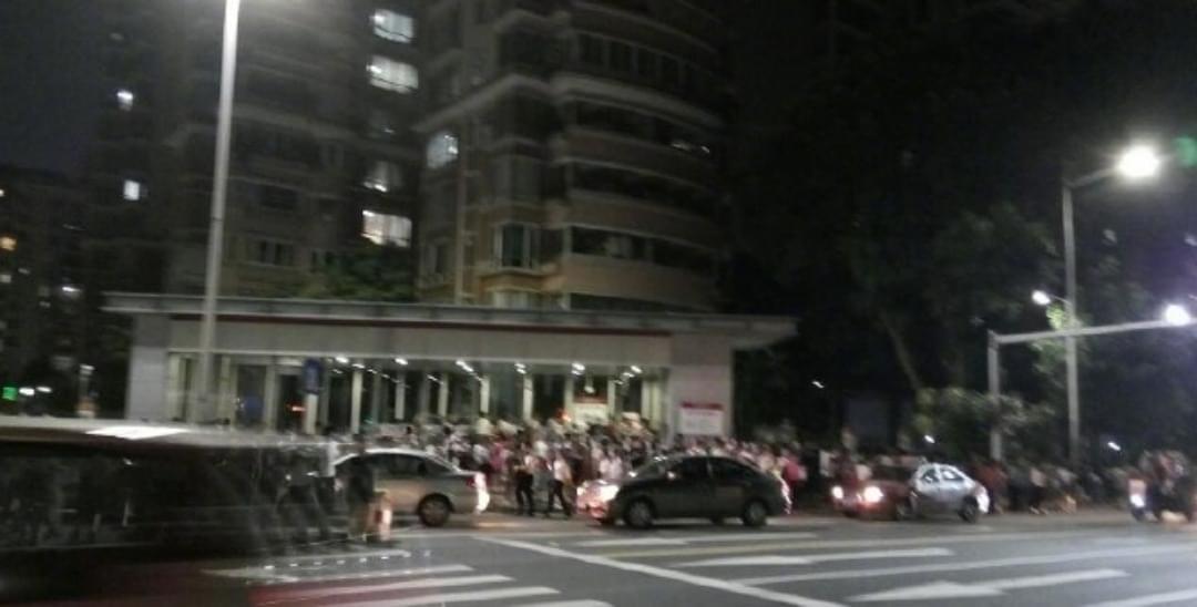 昨晚深圳地铁四号线突发列车故障