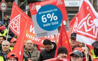 全德罢工争加薪 半数航班取消9万乘客受影响