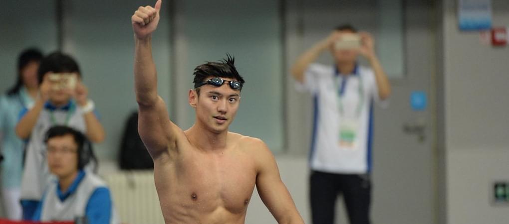 宁泽涛轻松加冕男100自冠军 赛后帅气挥手